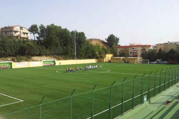 Montescaglioso - Campo in erba sintetica